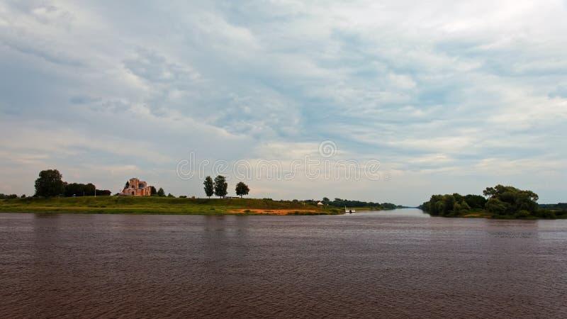 Ποταμός Volkhov σε Veliky Novgorod, Ρωσία Ryurikovo gorodishche στοκ φωτογραφία με δικαίωμα ελεύθερης χρήσης