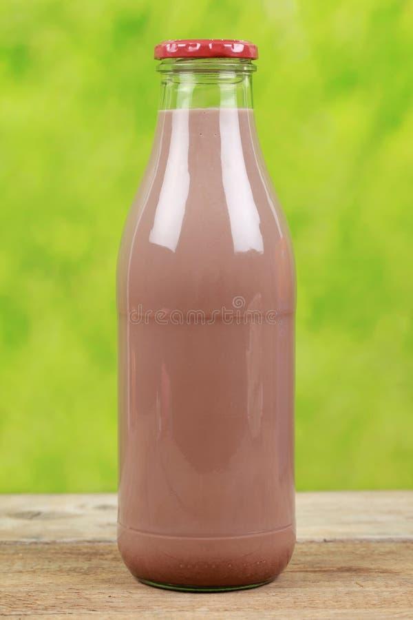 Ποτό σοκολάτας σε ένα μπουκάλι στοκ φωτογραφίες με δικαίωμα ελεύθερης χρήσης