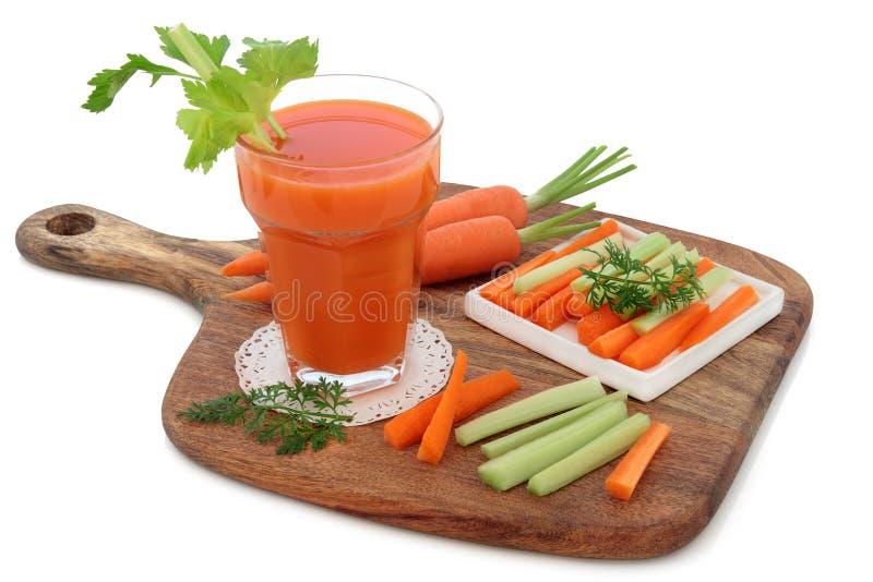 Ποτό υγείας καρότων και σέλινου στοκ φωτογραφία με δικαίωμα ελεύθερης χρήσης