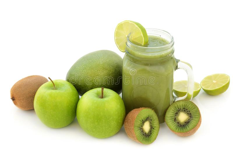 Ποτό υγείας καταφερτζήδων χυμού φρούτων στοκ φωτογραφία