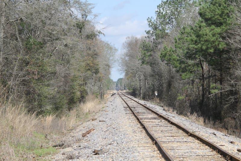 πουθενά σιδηρόδρομος στις διαδρομές στοκ εικόνα με δικαίωμα ελεύθερης χρήσης