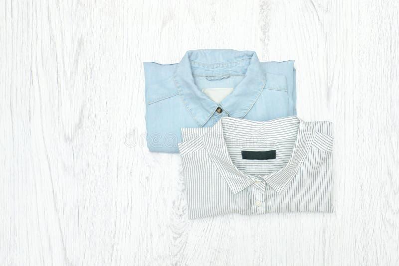 πουκάμισα δύο μοντέρνη έννοια assuage στοκ φωτογραφίες με δικαίωμα ελεύθερης χρήσης