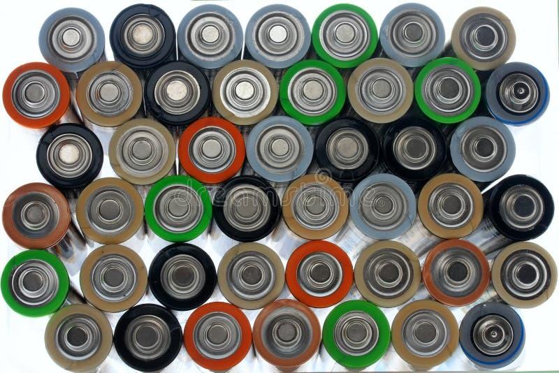 Πολλές διαφορετικές χρωματισμένες μπαταρίες στοκ εικόνα με δικαίωμα ελεύθερης χρήσης