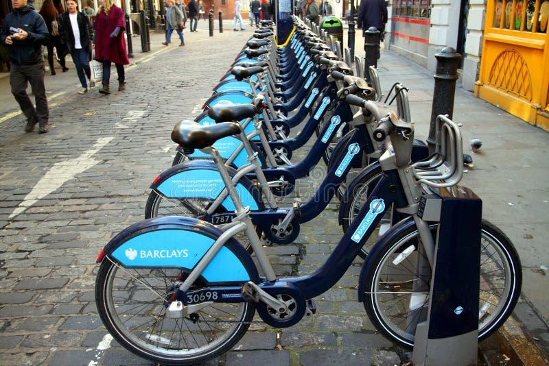 ποδήλατα για τη μίσθωση στοκ εικόνες
