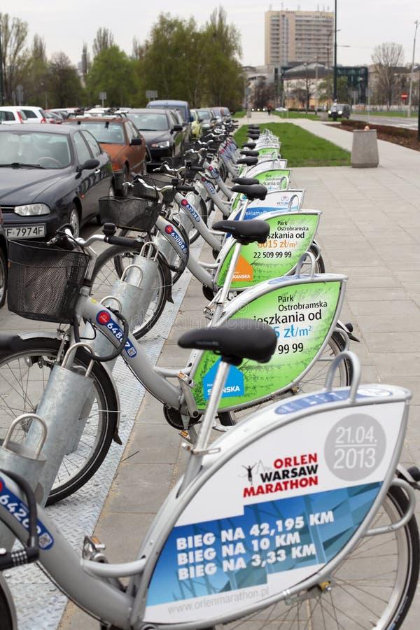 Ποδήλατα για το μίσθωμα στη Βαρσοβία στοκ εικόνα
