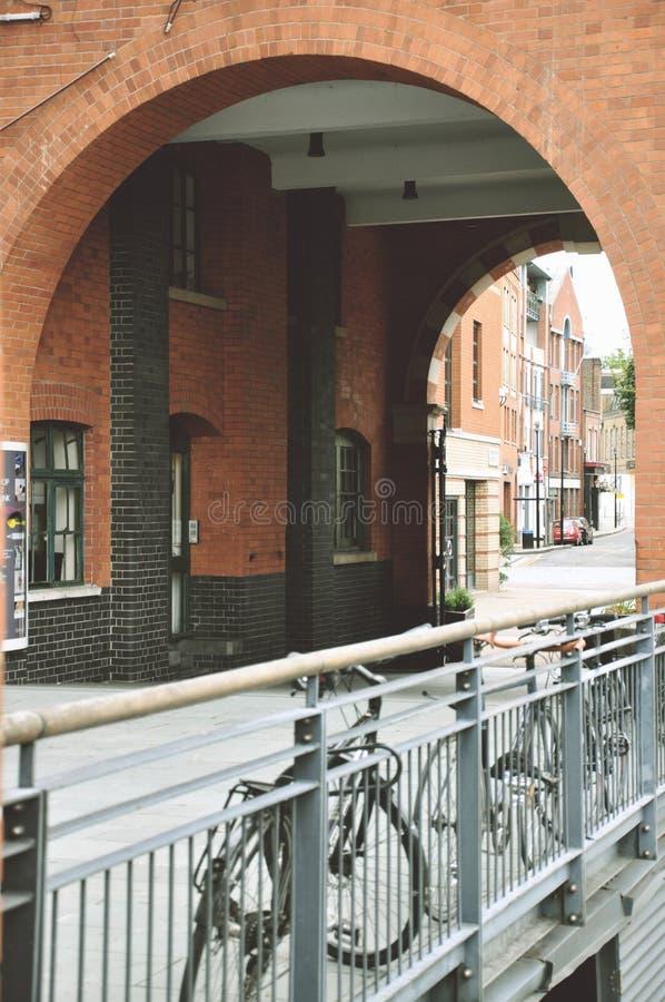 Ποδήλατα και ζωή πόλεων στοκ φωτογραφίες