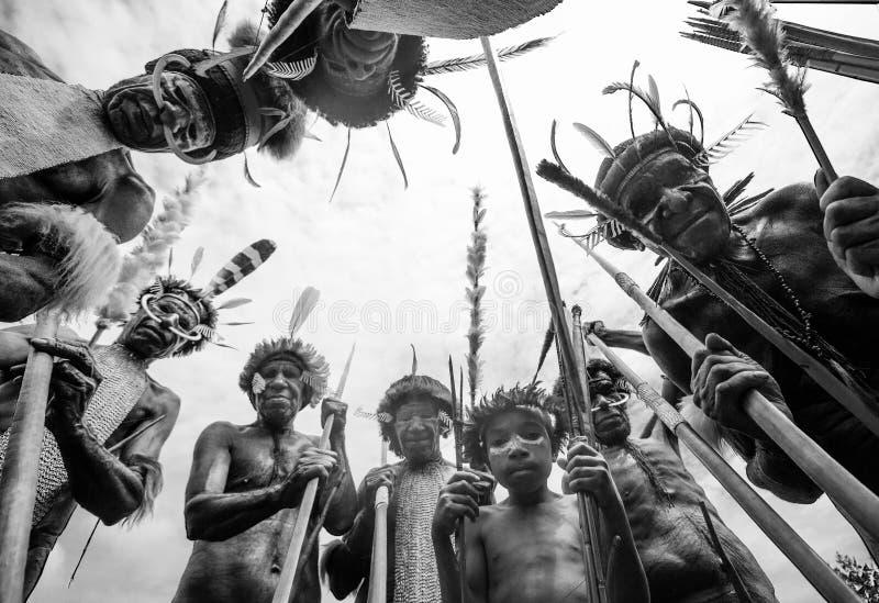Πολεμιστές φυλών της Dani στοκ εικόνα με δικαίωμα ελεύθερης χρήσης