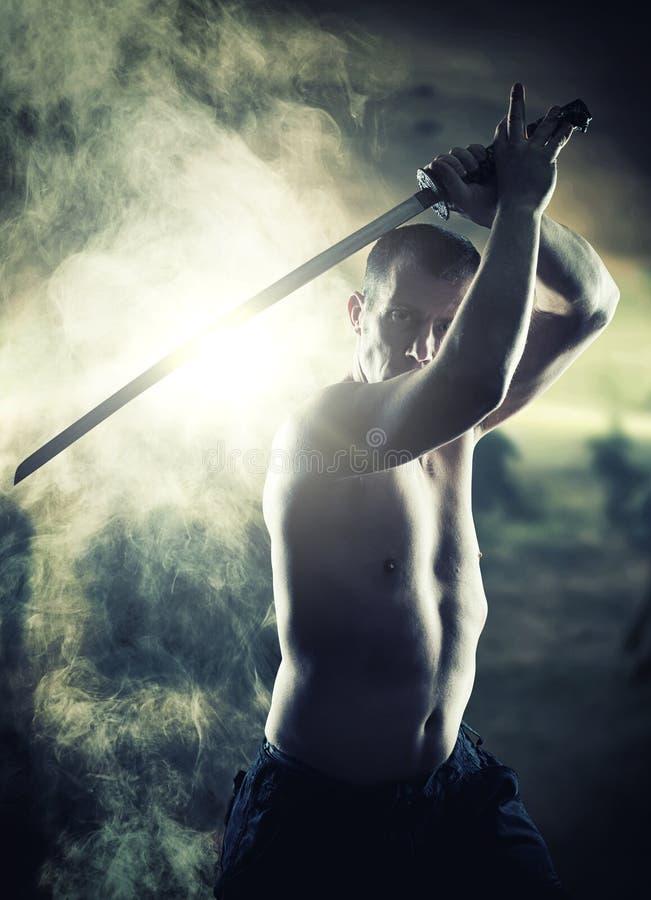 Πολεμιστής με το Katana του στοκ φωτογραφία με δικαίωμα ελεύθερης χρήσης