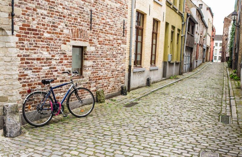 Ποδηλάτης σε Gent στοκ φωτογραφίες
