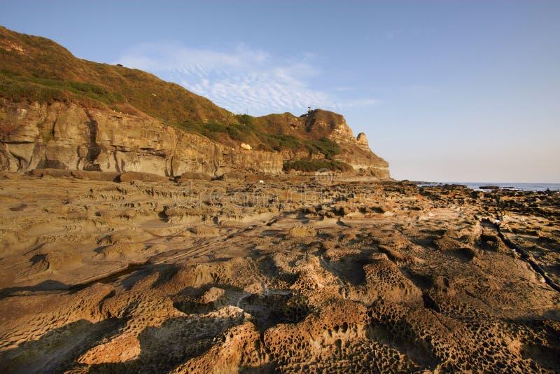 Πολλοί ειδικοί βράχοι και το Hill μύτης αυξάνονται στον ήλιο στοκ εικόνα
