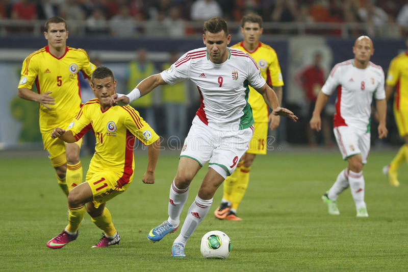 Ποδοσφαιρικό παιχνίδι της Ρουμανίας - της Ουγγαρίας, Adam Szalai στοκ εικόνα