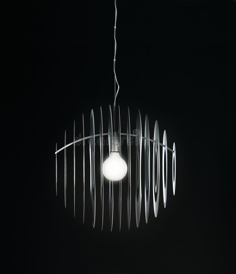 Πολυέλαιος στο μαύρο υπόβαθρο στοκ φωτογραφία με δικαίωμα ελεύθερης χρήσης