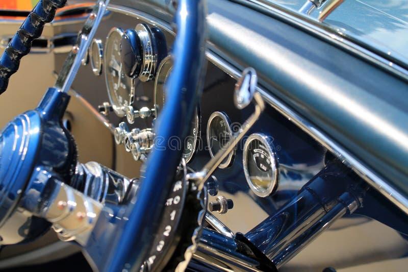 Πολυτελής παλαιά γαλλική εσωτερική λεπτομέρεια αυτοκινήτων στοκ φωτογραφίες