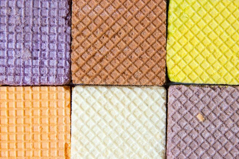 πολυ γκοφρέτα χρώματος στο άσπρο υπόβαθρο στοκ φωτογραφία με δικαίωμα ελεύθερης χρήσης