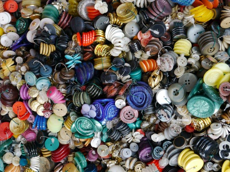 Πολυ χρωματισμένα κουμπιά στοκ εικόνες