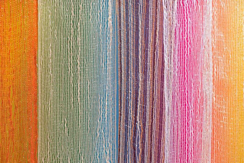 Πολυ ύφασμα χρώματος σε μια σειρά στοκ φωτογραφίες
