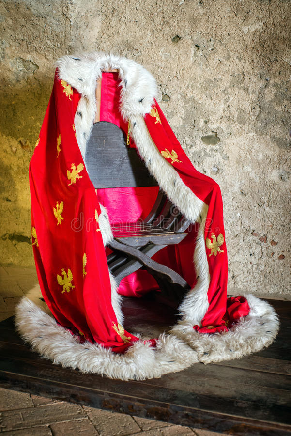 Πολωνικός βασιλικός μανδύας στοκ εικόνα με δικαίωμα ελεύθερης χρήσης