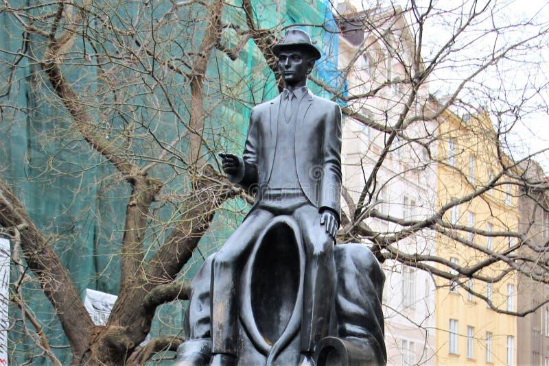 Πράγα, Δημοκρατία της Τσεχίας, τον Ιανουάριο του 2015 Ένα τεμάχιο του μνημείου στο Franz Kafka στο εβραϊκό τέταρτο στοκ φωτογραφία με δικαίωμα ελεύθερης χρήσης