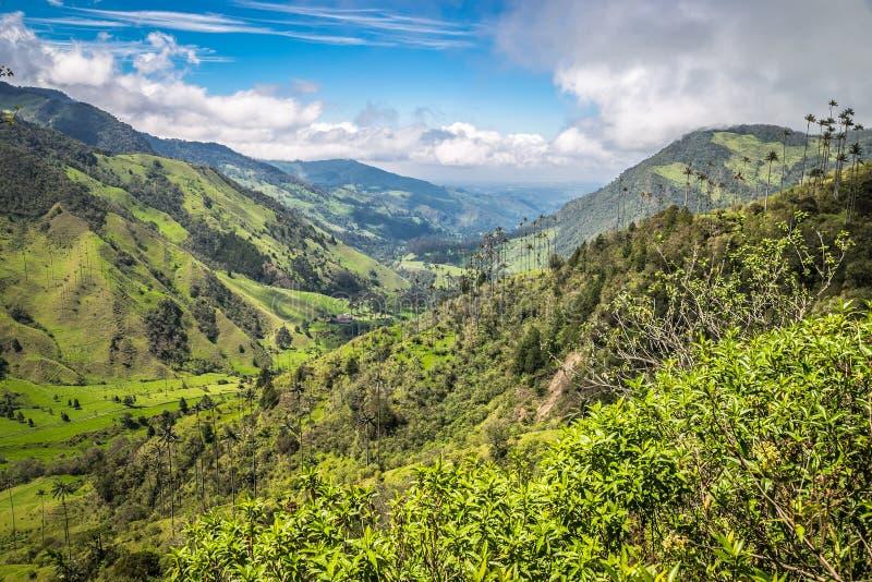 πράσινα βουνά τοπίων στοκ φωτογραφία με δικαίωμα ελεύθερης χρήσης