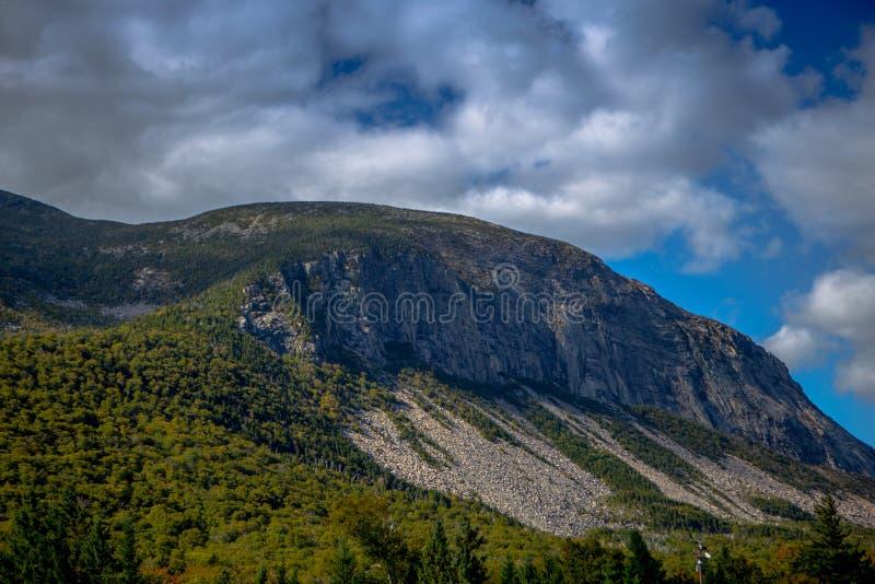 πράσινα βουνά στοκ φωτογραφία με δικαίωμα ελεύθερης χρήσης