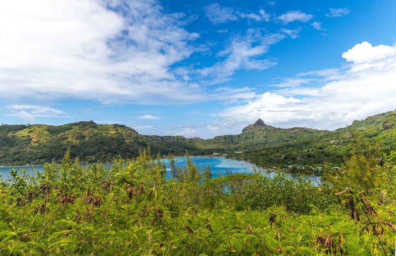 Πράσινα βουνά Bora Bora στοκ φωτογραφία με δικαίωμα ελεύθερης χρήσης