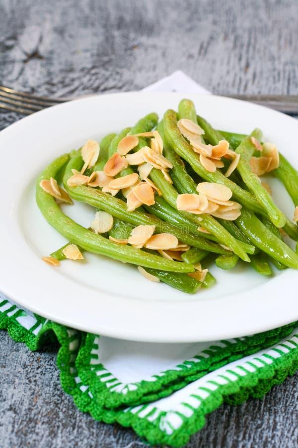 Πράσινα φασόλια με το αμύγδαλο στοκ φωτογραφία με δικαίωμα ελεύθερης χρήσης