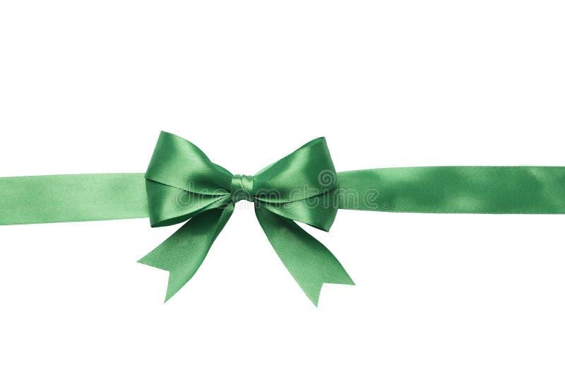 Πράσινες τόξο και κορδέλλα που απομονώνονται στο άσπρο υπόβαθρο στοκ φωτογραφία με δικαίωμα ελεύθερης χρήσης