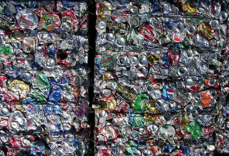 πράσινη ανακύκλωση πλανητών δοχείων στοκ φωτογραφία με δικαίωμα ελεύθερης χρήσης