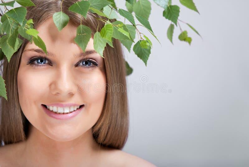 πράσινη γυναίκα φύλλων στοκ εικόνες