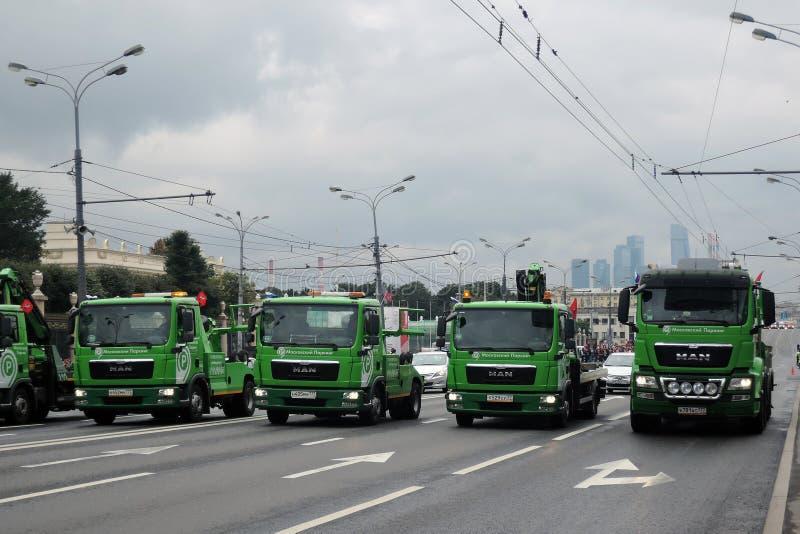 Πράσινη παρέλαση της Μόσχας αυτοκινήτων καταρχάς της μεταφοράς πόλεων στοκ εικόνα