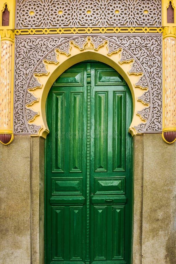 Πράσινη πόρτα μουσουλμανικών τεμενών, Ταγγέρη, Μαρόκο στοκ φωτογραφία με δικαίωμα ελεύθερης χρήσης