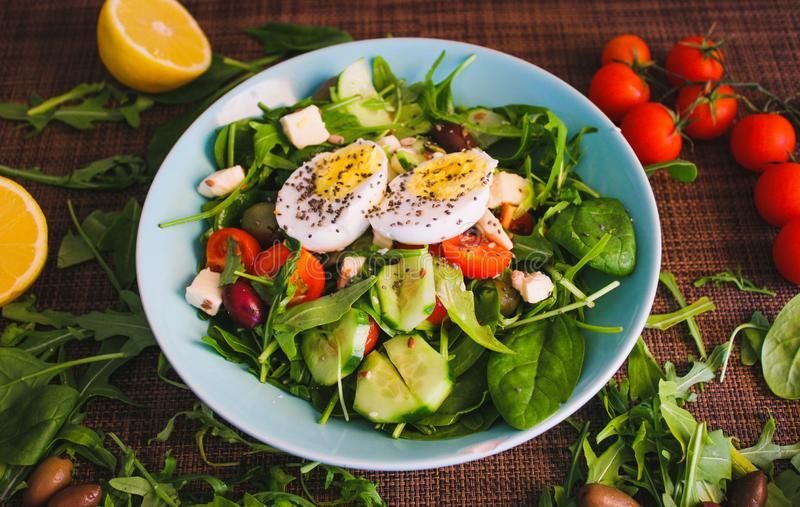 Πράσινη σαλάτα μεσημεριανού γεύματος στοκ εικόνες