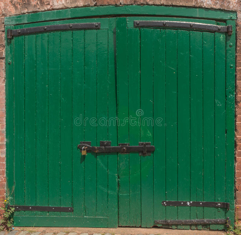 Πράσινη στήριξη πορτών στοκ εικόνα με δικαίωμα ελεύθερης χρήσης