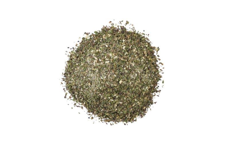 Πράσινος αλμυρός μίγμα ή σωρός Chubritsa που απομονώνεται στο άσπρο υπόβαθρο Τοπ όψη στοκ φωτογραφία