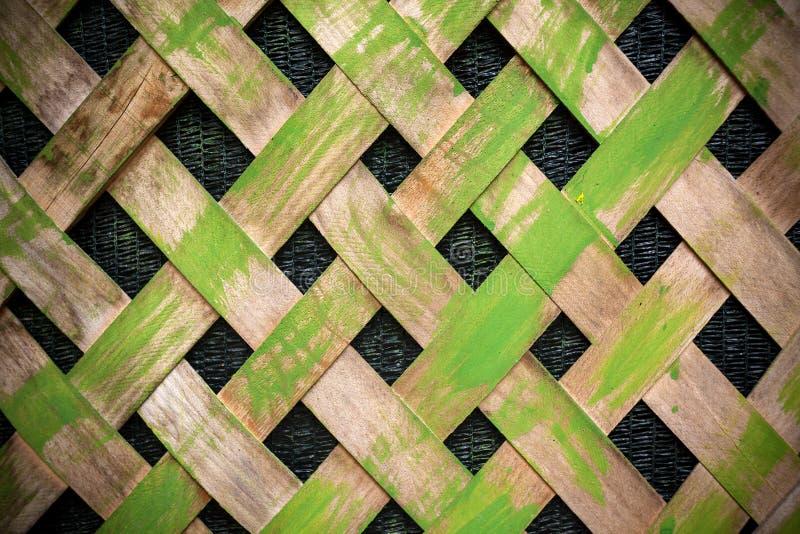 πράσινος παλαιός ξύλινος φραγών στοκ φωτογραφία