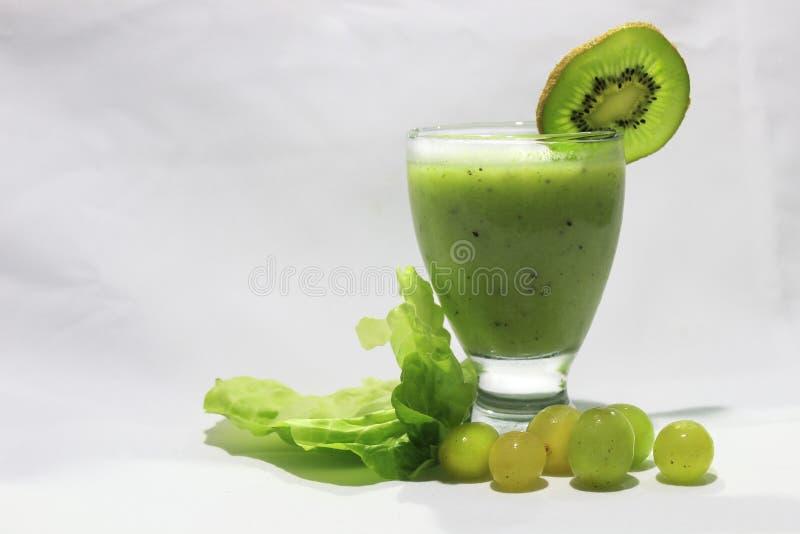 Πράσινος χυμός ακτινίδιων στοκ φωτογραφία