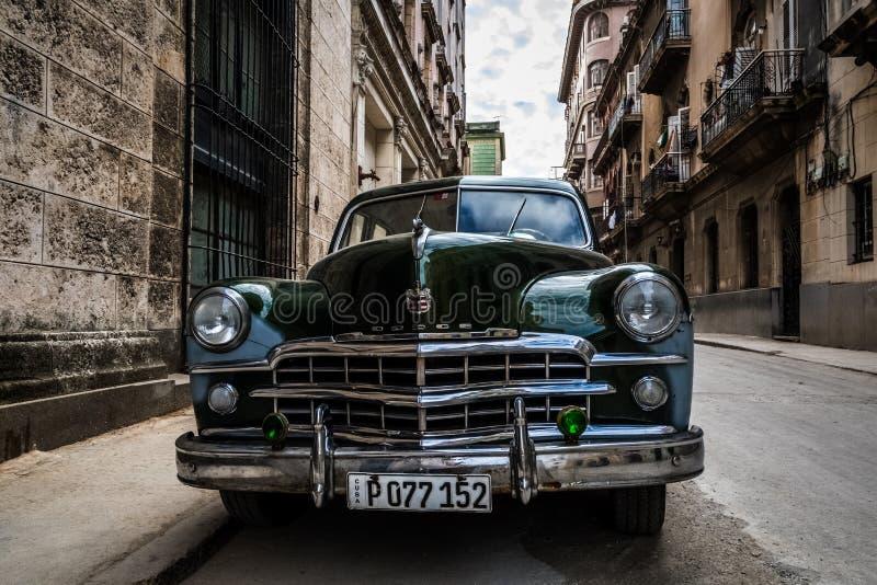 Πράσινο αμερικανικό κλασικό αυτοκίνητο στην Κούβα Αβάνα στοκ εικόνα με δικαίωμα ελεύθερης χρήσης