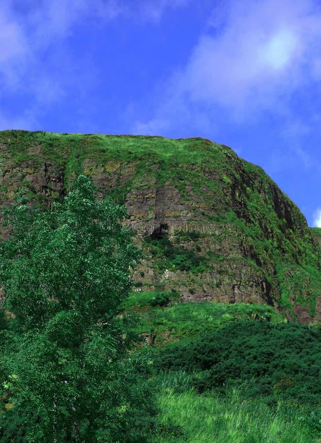 πράσινο βουνό λόφων απότομω στοκ φωτογραφία με δικαίωμα ελεύθερης χρήσης