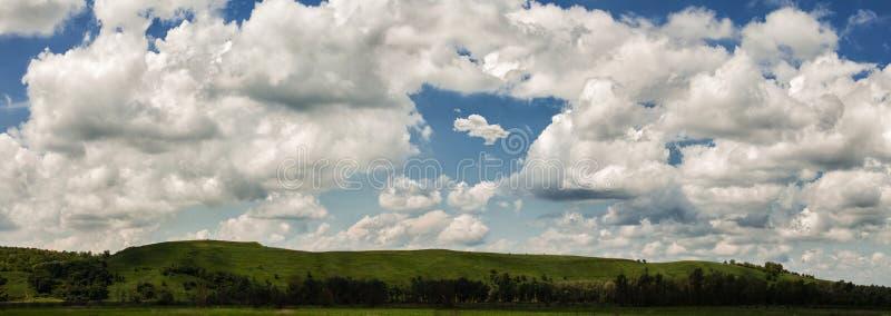 Πράσινο βουνό στοκ φωτογραφία με δικαίωμα ελεύθερης χρήσης