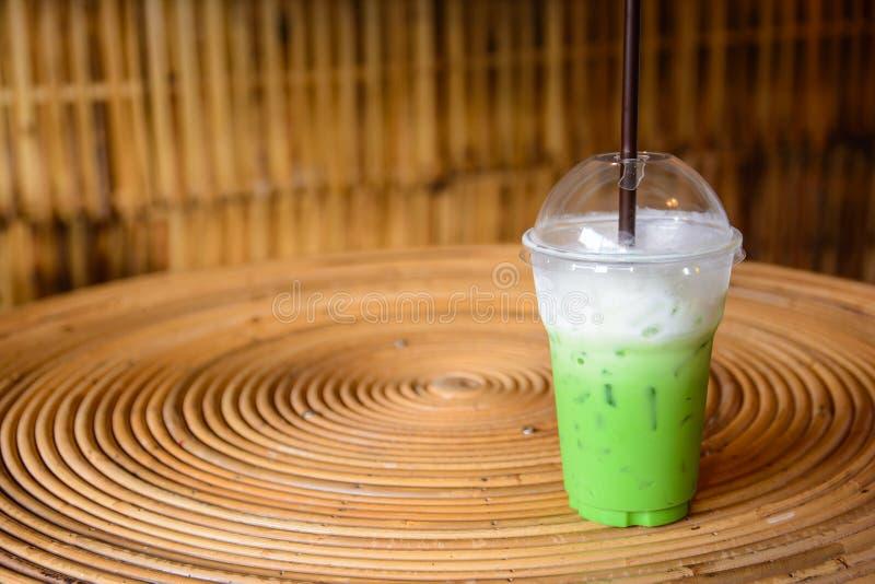 Πράσινο γάλα τσαγιού στοκ εικόνες