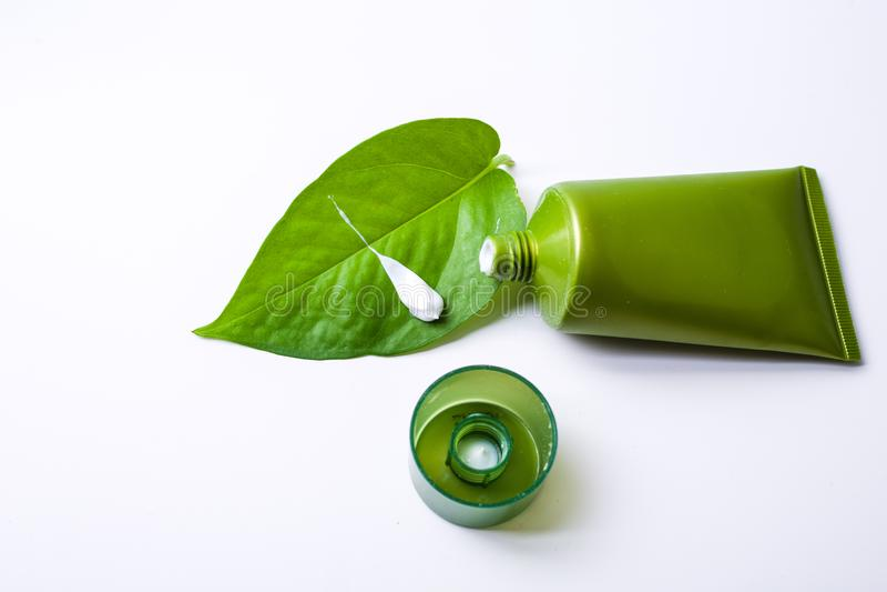 Πράσινο καλλυντικό στοκ εικόνα με δικαίωμα ελεύθερης χρήσης