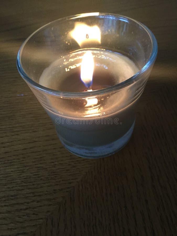 Πράσινο κερί LIT στοκ φωτογραφία με δικαίωμα ελεύθερης χρήσης