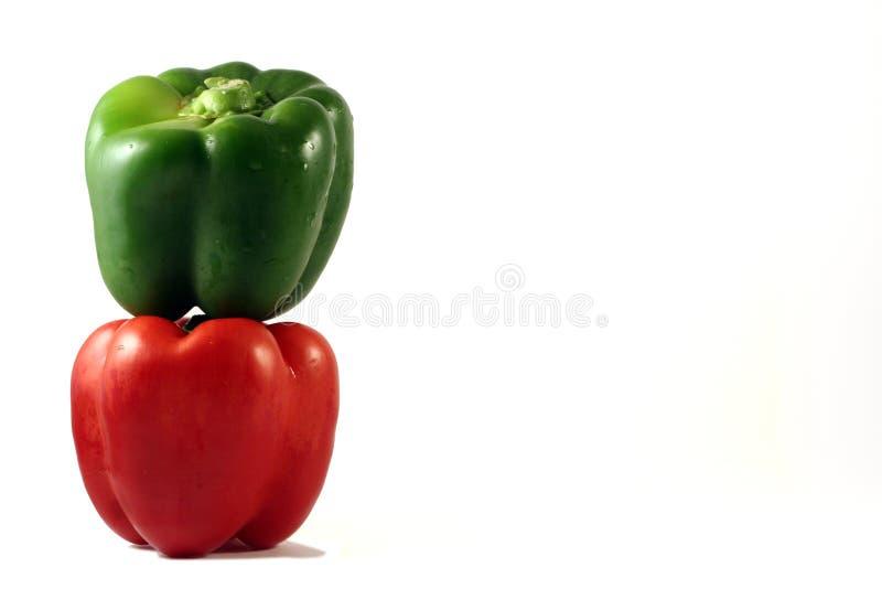 πράσινο κόκκινο pepers στοκ εικόνα με δικαίωμα ελεύθερης χρήσης