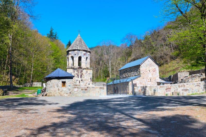 Πράσινο μοναστήρι κοντά στην κοιλάδα Borjomi, Γεωργία στοκ φωτογραφίες