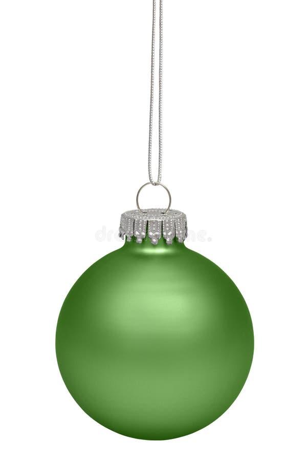 Πράσινο μπιχλιμπίδι Χριστουγέννων που απομονώνεται στο λευκό στοκ φωτογραφίες