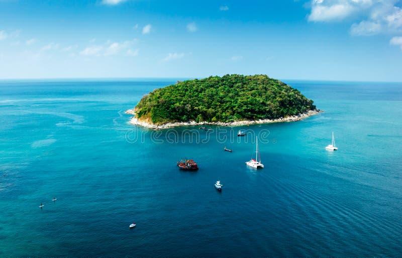 Πράσινο νησί στη Θάλασσα Ανταμάν στοκ φωτογραφία με δικαίωμα ελεύθερης χρήσης