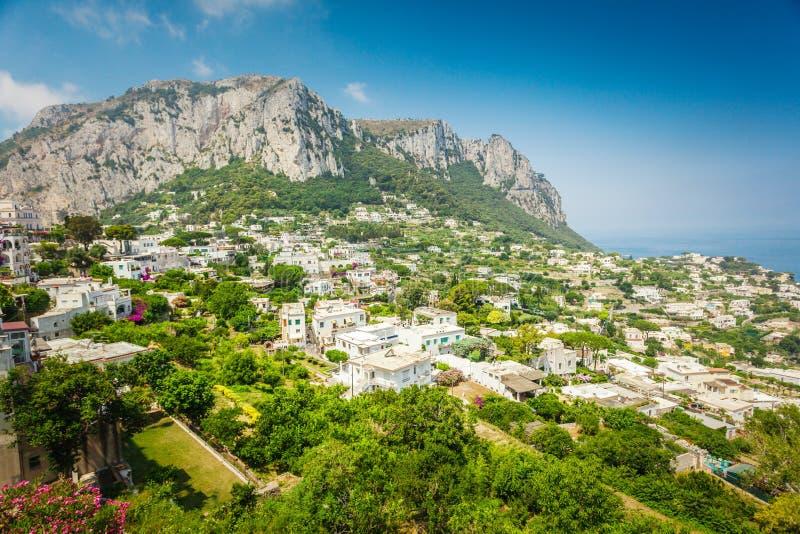 Πράσινο νησί Capri στη Μεσόγειο στοκ εικόνα με δικαίωμα ελεύθερης χρήσης