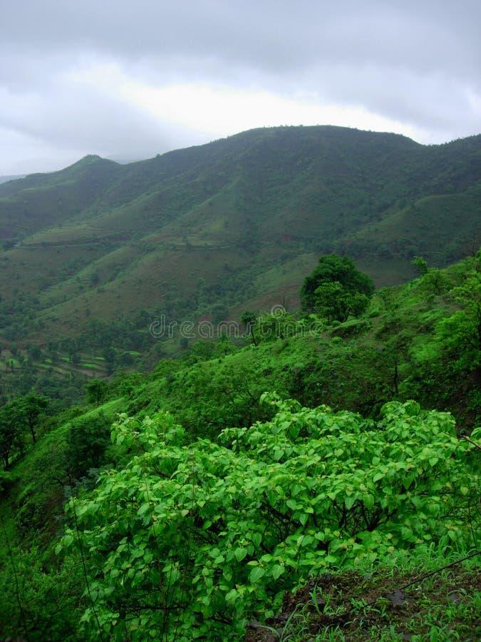 Πράσινο ορεινό τοπίο στοκ εικόνα με δικαίωμα ελεύθερης χρήσης