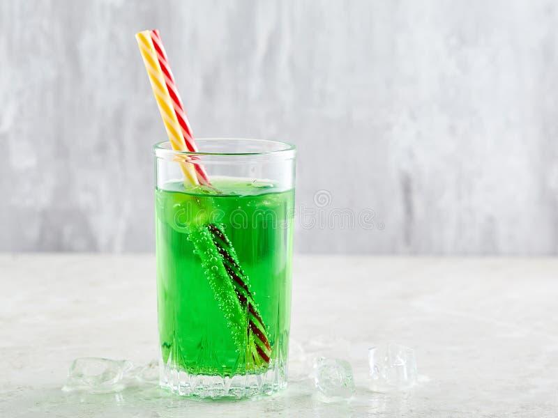 Πράσινο ποτό σόδας στοκ εικόνες με δικαίωμα ελεύθερης χρήσης