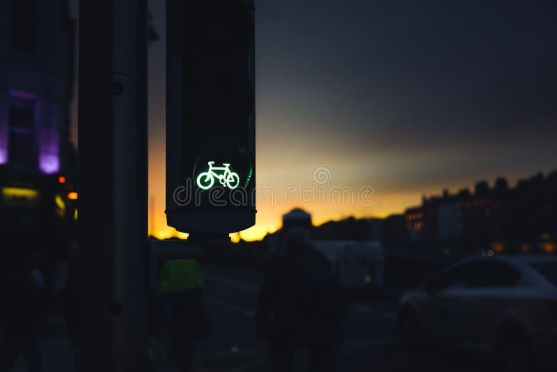 Πράσινο σήμα για ποδήλατα στα φανάρια στοκ φωτογραφία με δικαίωμα ελεύθερης χρήσης
